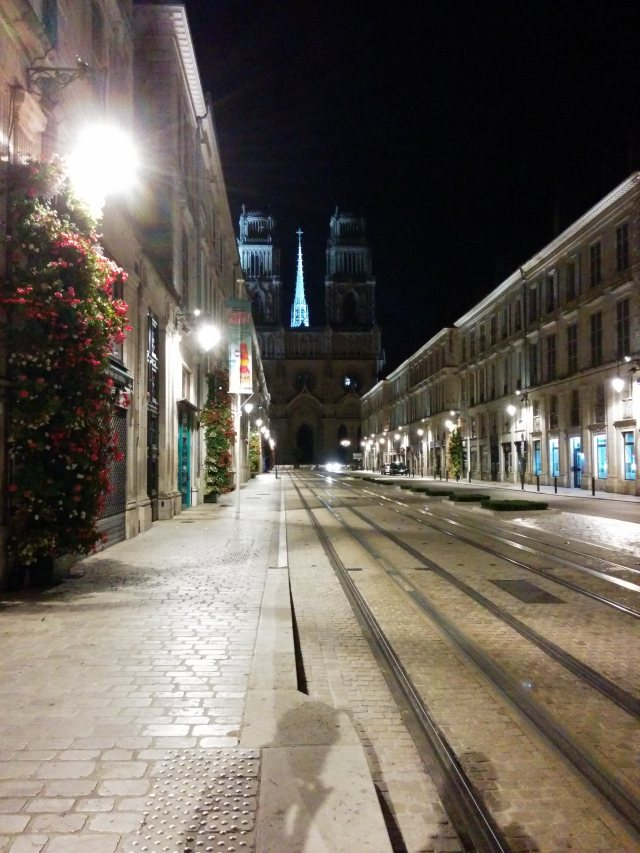 cathédrale-orléans-by-night