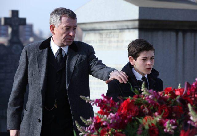 Gotham_pilot_Gotham_Cemetery