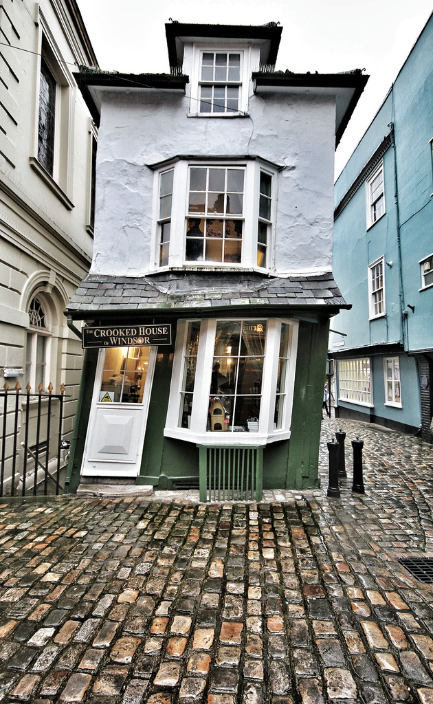 The-Crooked-House-of-Windsor