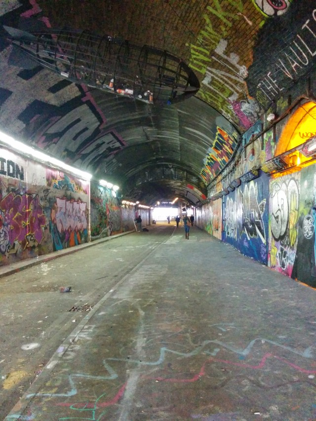 tunnel-london-street-art