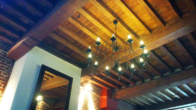 chandelier-restaurant-levinquidanse