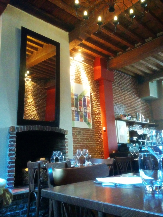 déco-briques-rouge-restaurant