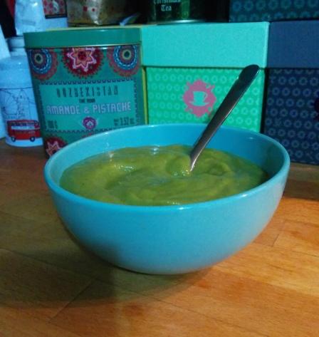 soupe-brocolis-homemade-détox-vert